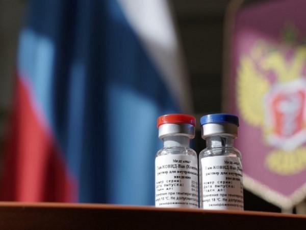 Академик назвал основное преимущество российской вакцины от коронавируса