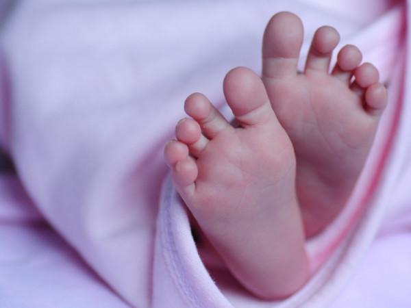 В Петербурге решают судьбу младенца, потерявшего всю семью из-за COVID-19
